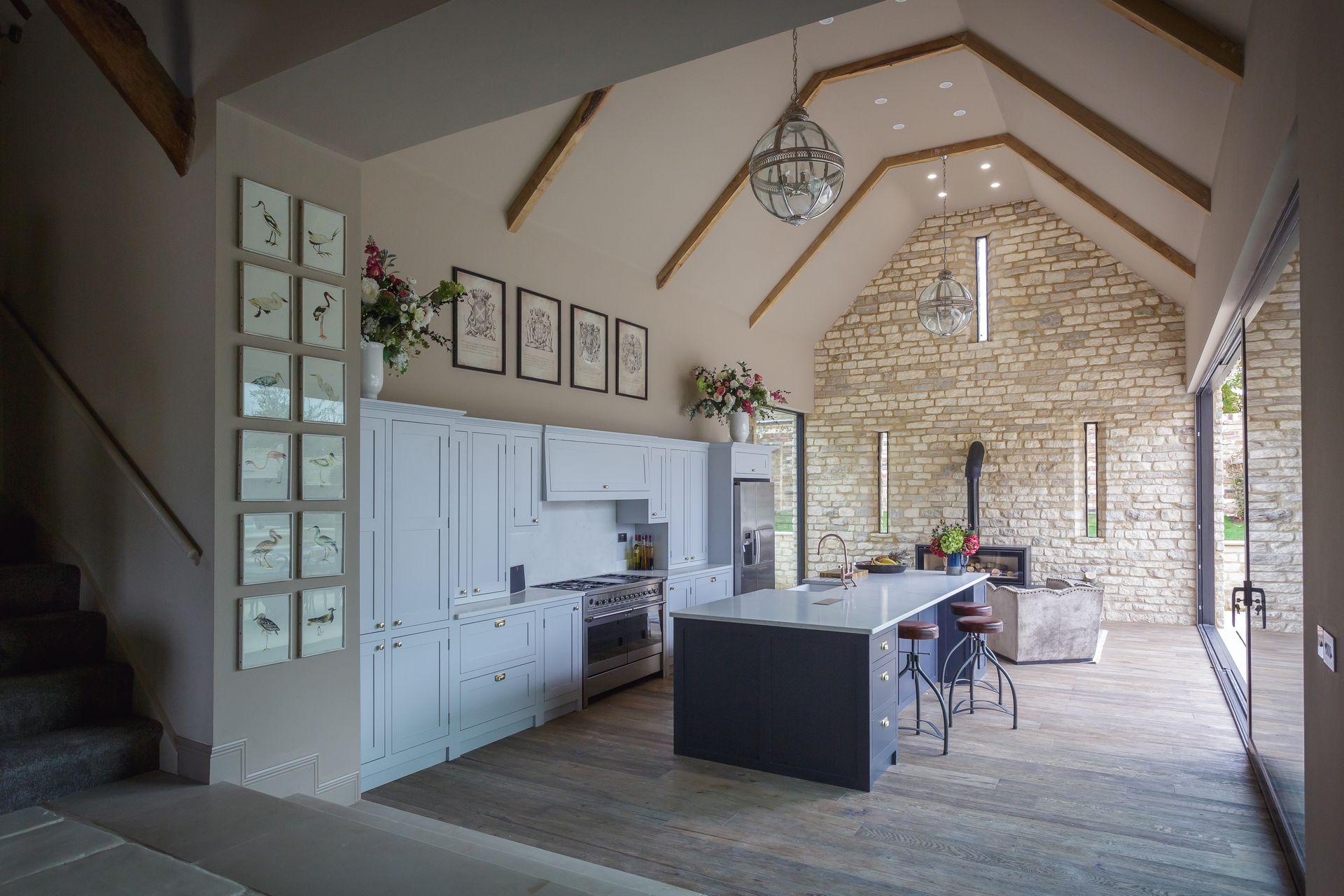 CE - Bentham Barn - Interior 001