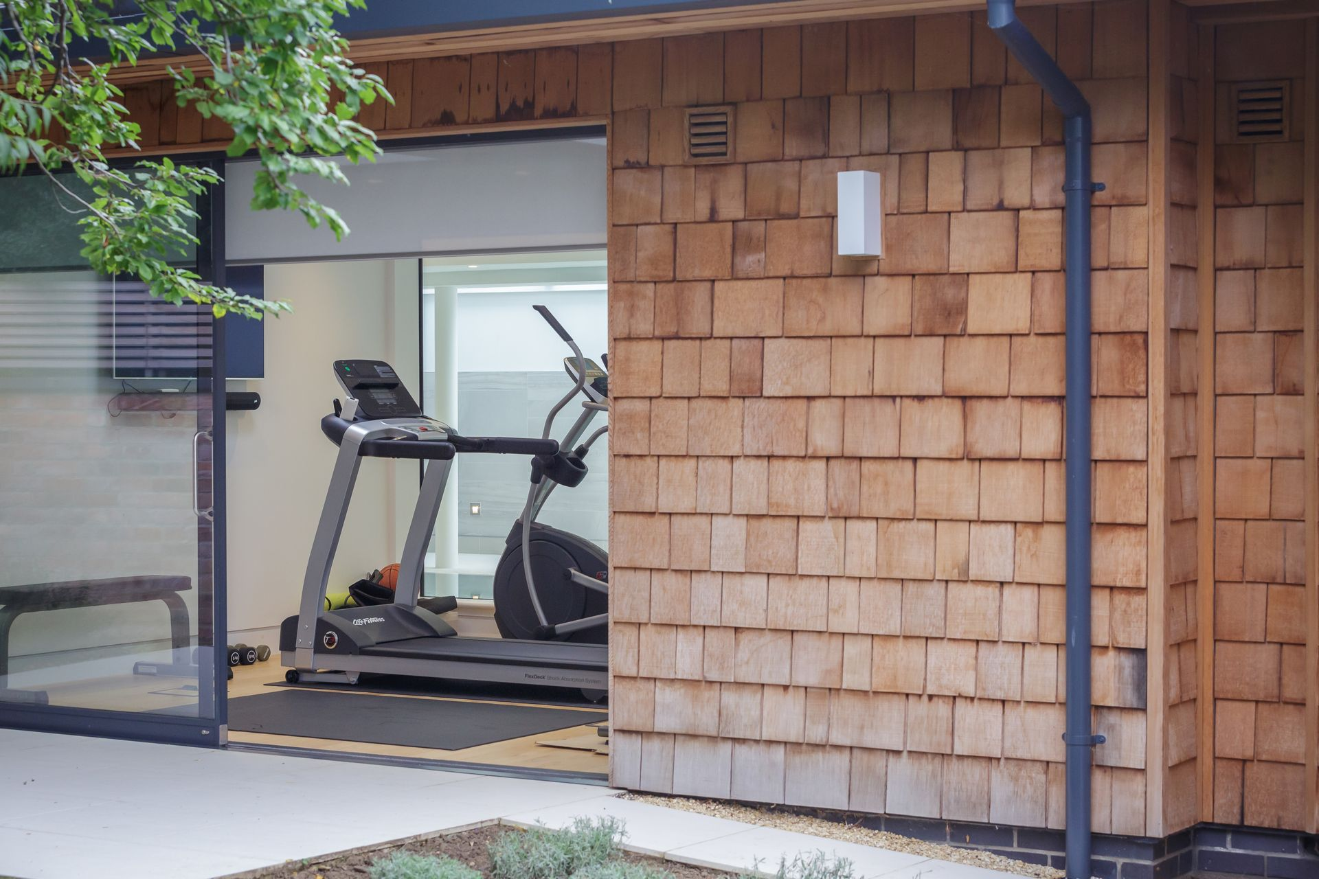 CE - Douro Court - Gym from outside 003