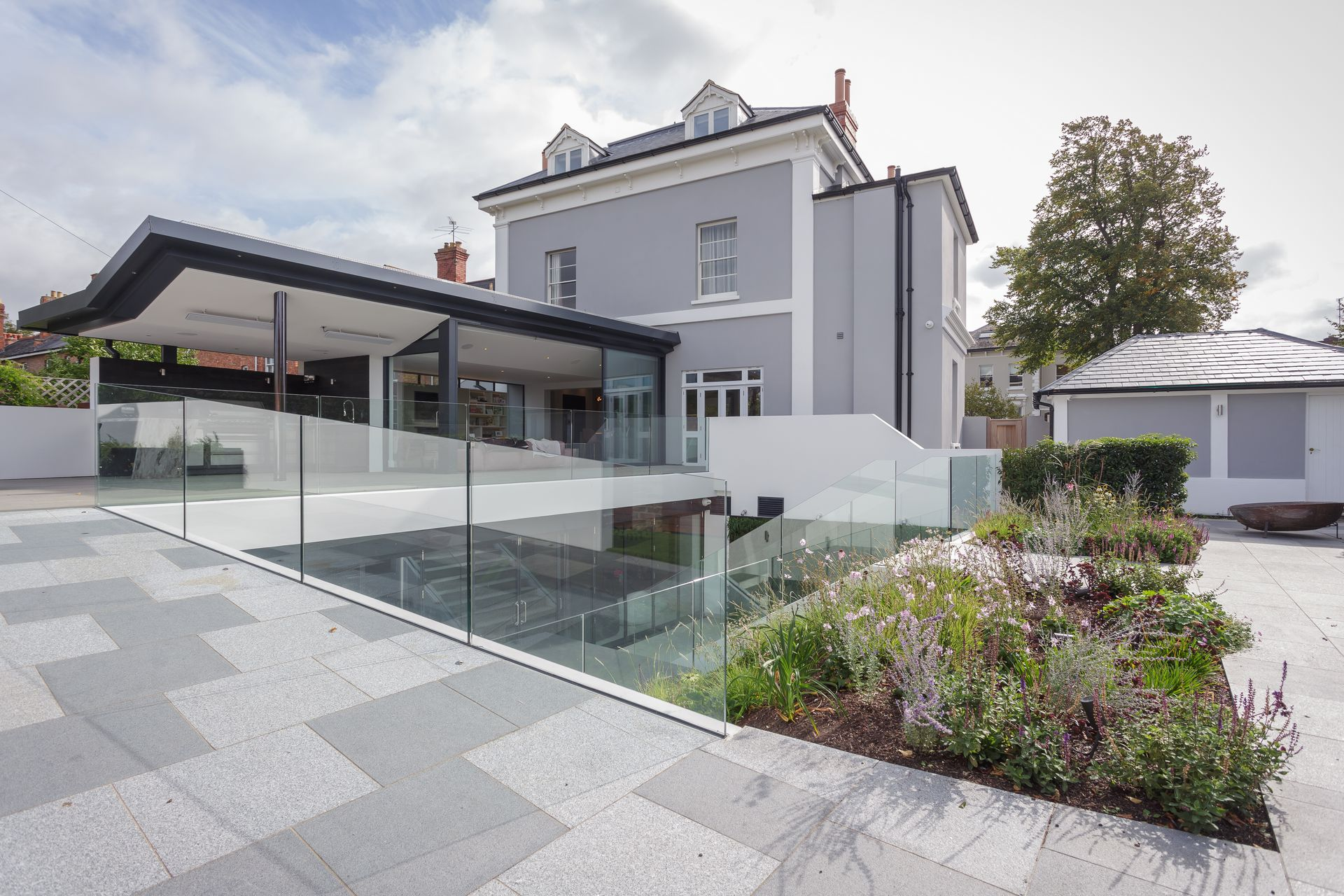 CE - Sydenham Villas - Outside 001