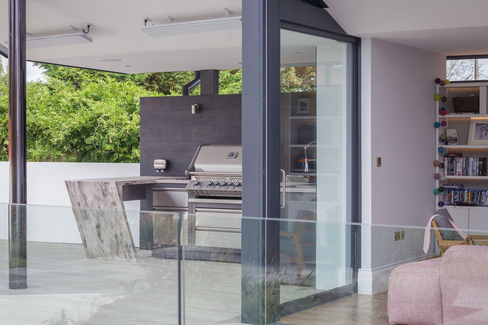 CE - Sydenham Villas - Outside - BBQ 002