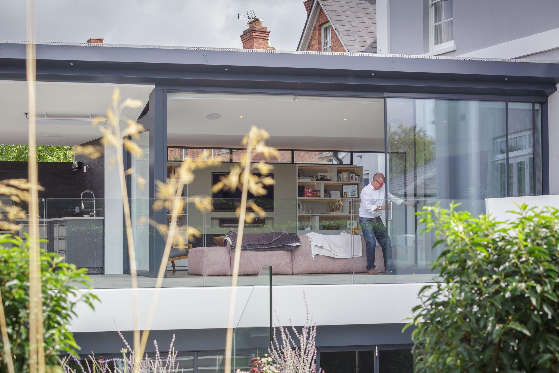 CE - Sydenham Villas - Outside - Lounge 005
